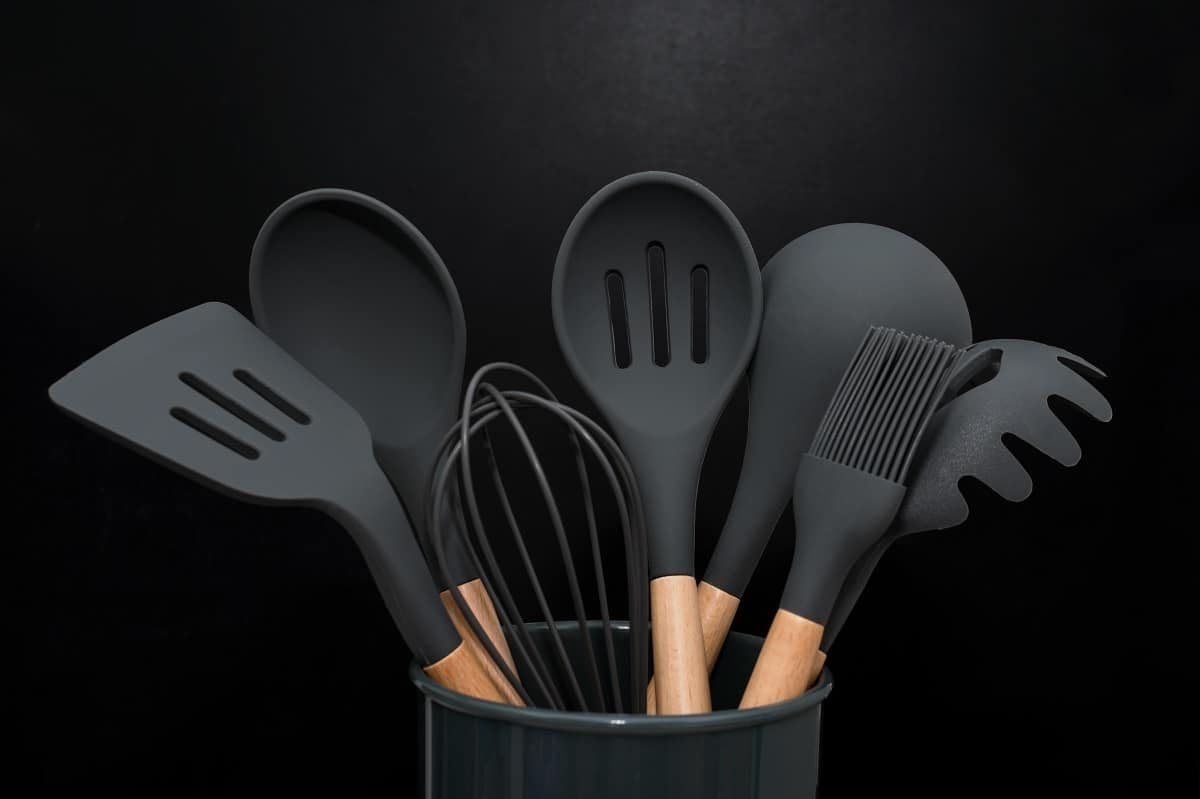 Oannao Silicone Cooking Utensils Set Review - siliconeofficial.com