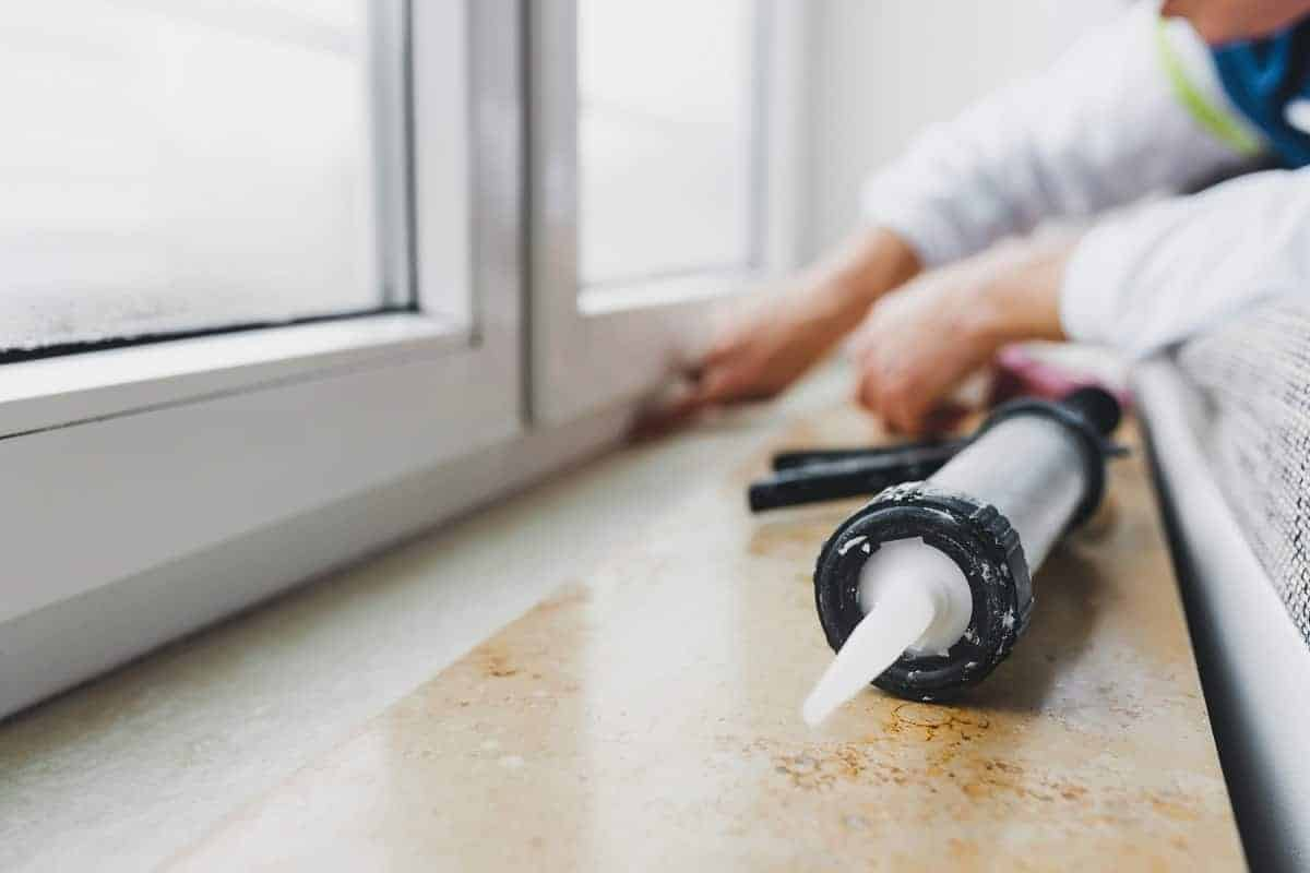 How to Remove Silicone Caulk from Hands - siliconeofficial.com